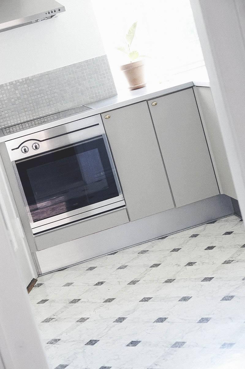 Maling af køkkenlåger (en nem og billig køkken opdatering) 15