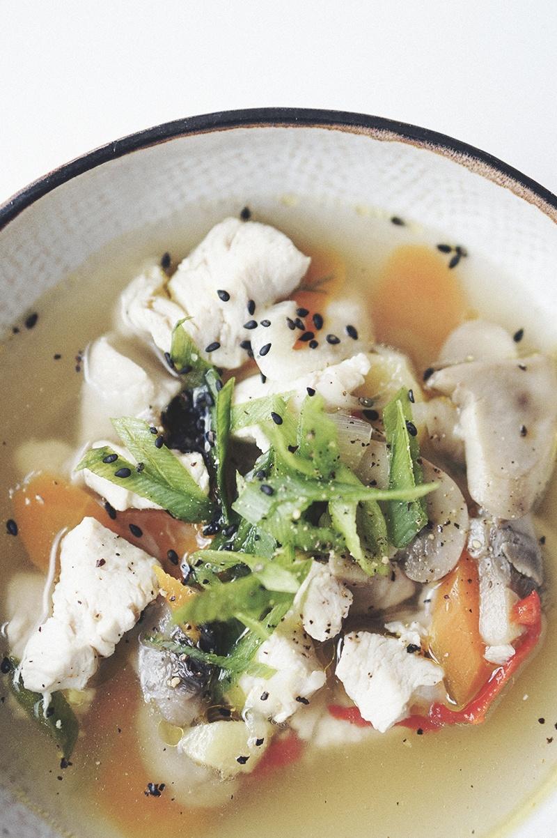 asiatisk kyllinge-suppe